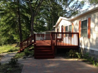 Cozy 3 bedroom House in Idlewild with Deck - Idlewild vacation rentals