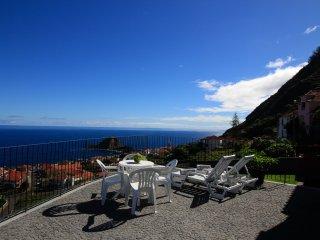 Casa das Escaleiras.  Gorgeous sea view, WiFi - Porto Moniz vacation rentals
