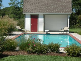 Beautiful House with Deck and Patio - McDaniel vacation rentals