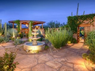 Charming 2 bedroom Marana House with Deck - Marana vacation rentals
