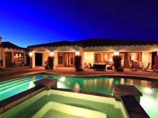 'Oasis' Private Pool & Spa, Outdoor Fireplace/TV, Foosball, Detached Casita - La Quinta vacation rentals