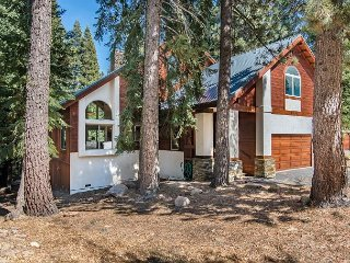 4BR, 4BA Tahoe Donner Snow Globe Home - Access to 5-Star Amenities - Truckee vacation rentals