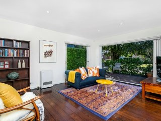 CAMM2 Brand New Stylish Leafy 3BR Apartment - Cammeray vacation rentals