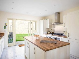 The Bybrook is a large detached property, built in traditional Cotswold stone - Bourton-on-the-Water vacation rentals