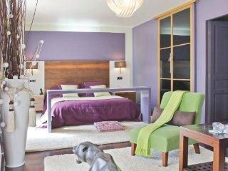 4 bedroom Villa in La Grande Motte, Herault, France : ref 2220388 - La Grande-Motte vacation rentals