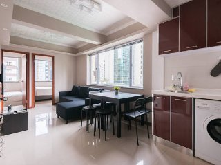NEW 3BR By WanChai Sleeps 10! BEST LOCATION IN HK! - Hong Kong vacation rentals