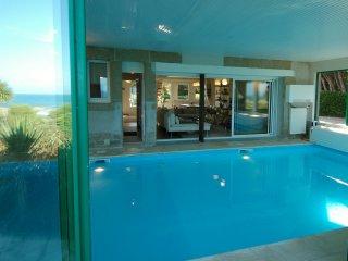 Villa de la Dune 5*, Plage, Piscine intérieure,Surf - Sibiril vacation rentals