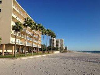 Beach condo, sleeps 4 people,fully renovated 2016. - Longboat Key vacation rentals