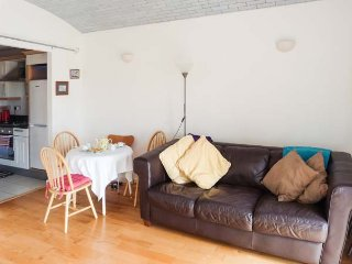 FLAT 18 sea views, rooftop terrace and conservatory, open plan, in Margate, Ref 940024 - Margate vacation rentals