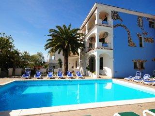 trilocale OLIVETO panoramico con piscina comune - Orosei vacation rentals