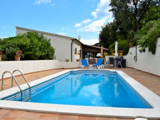 Studio on the ground floor of a detached house. Private Pool and garden. - Pals vacation rentals