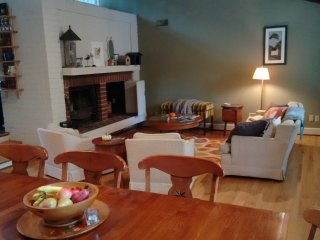 Peaceful 3 Bedroom Home 10 minutes from downtown - Charlottesville vacation rentals