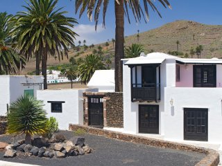 Casita Palmera, Haria, Lanzarote (5 min to Beach) - Haria vacation rentals