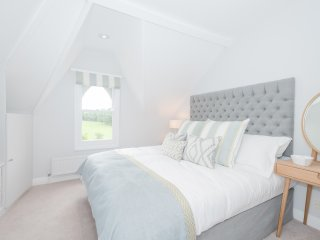 Bespoke St Clements Apartment (LP) - Oxford vacation rentals