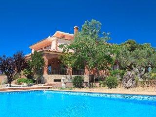 Perfect 4 bedroom Villa in Botarell - Botarell vacation rentals
