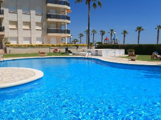 Lovely 2 bedroom Miami Platja Apartment with Washing Machine - Miami Platja vacation rentals