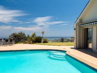 Spacious Modern 5-Star Camps Bay Holiday Home - 15 Woodford - Bakoven vacation rentals