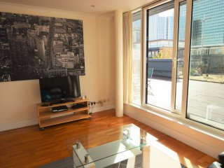2 Bedroom Penthouse with Terrace - Canary Wharf - London vacation rentals