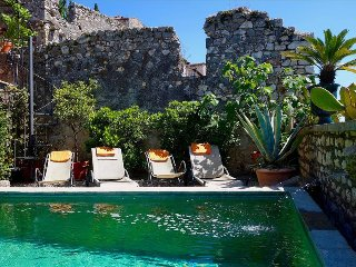 Sermoneta, Historic Stone House with Pool, in a  Medieval Hill Town Close to Rome and Naples - Sermoneta vacation rentals