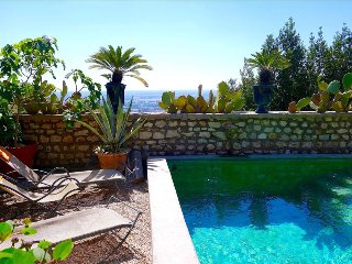 Sermoneta, Stone House with Pool, in a Fairy-Tale Hill-Town Close to Rome and - Sermoneta vacation rentals
