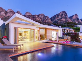 Element House - luxurious Villa Camps Bay - Bakoven vacation rentals