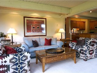 2 bedroom Apartment with Deck in Snowmass Village - Snowmass Village vacation rentals