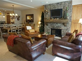 Bright 2 bedroom Snowmass Village Apartment with Deck - Snowmass Village vacation rentals