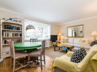 Super 3BD Maisonette Battersea - London vacation rentals
