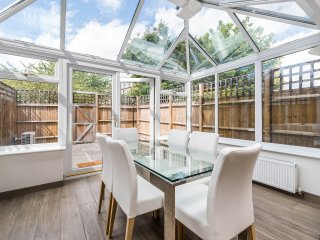 Beautiful Modern 3BD House Fulham - London vacation rentals