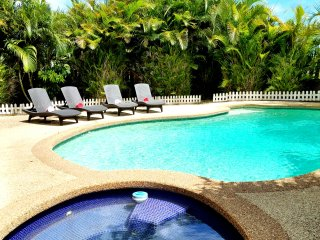 10% off new listing!  NEW furnishings, Pool, Spa! - Hawaii Kai vacation rentals