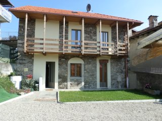 2 bedroom House with A/C in Armeno - Armeno vacation rentals