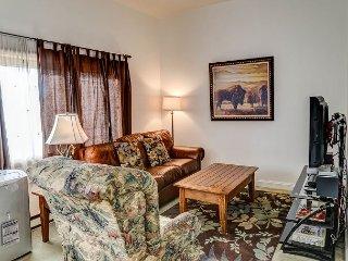 One-bedroom getaway in the heart of downtown Bozeman - Bozeman vacation rentals