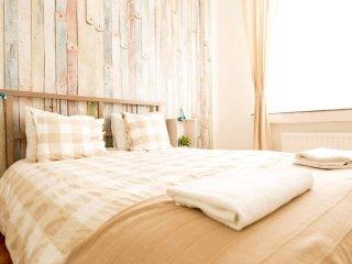 charming 2room flat - heart EU area - Brussels vacation rentals