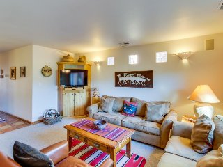 Dog-friendly condo on the golf course w/ private hot tub & seasonal shared pool - Moab vacation rentals