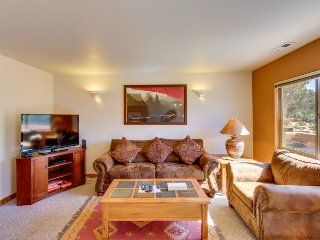 Condo on Moab Golf Course w/ shared seasonal pool - walk to Steel Bender Trail. - Moab vacation rentals