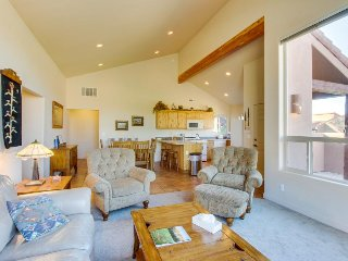 Dog-friendly townhouse w/ shared seasonal pool & hot tub - close to Arches! - Moab vacation rentals