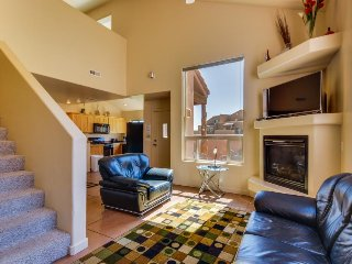 Tranquil getaway w/ shared hot tub, seasonal pool, sports court & views - Moab vacation rentals