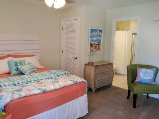 Nice Studio with Internet Access and A/C - Biloxi vacation rentals