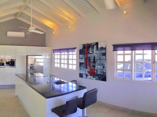 Private villa, contemporary interior design, centrally located - Oranjestad vacation rentals