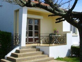 Cozy 2 bedroom Croix-de-Vie House with Television - Croix-de-Vie vacation rentals