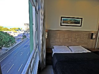 Luxurious studio in Copacabana with side view to the sea to up to 4 people. C020 - Rio de Janeiro vacation rentals