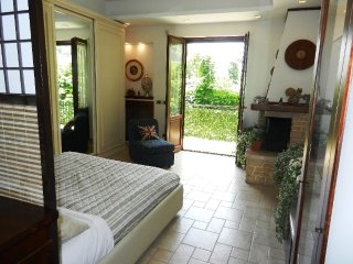 COZY APARTMENT CLOSE SORRENTO - Sant'Agnello vacation rentals