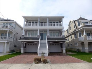 Gorgeous 5 bedroom Apartment in Ocean City with Deck - Ocean City vacation rentals