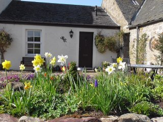 Midkinleith Farm Holiday Cottage - Edinburgh vacation rentals