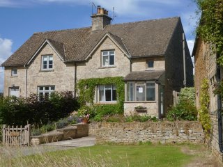 Lovely Cottage with Washing Machine and Television - Wyck Rissington vacation rentals