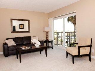 Romantic 1 bedroom Venice Beach Condo with Internet Access - Venice Beach vacation rentals