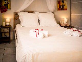 Harmonie Tropicale - Sand Room - Sea View - Bouillante vacation rentals