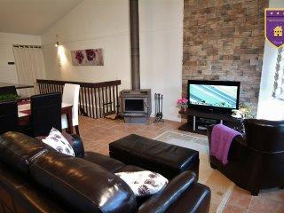 2 bedroom Condo with Internet Access in Lac Delage - Lac Delage vacation rentals