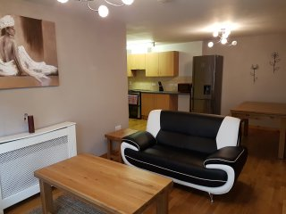 2 bedroom Apartment with Television in Inverness - Inverness vacation rentals