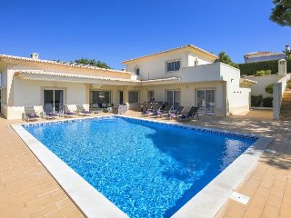 Nice Villa with Internet Access and A/C - Carvoeiro vacation rentals